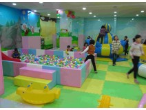 Is it acceptable to have your children stay in the indoor playgr