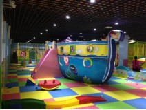 Should children keep the hobby of playing in indoor playground a