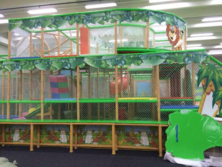 indoor jungle gyme