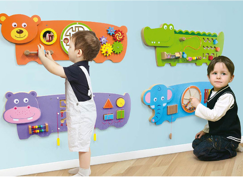 Wall game for toddler playground